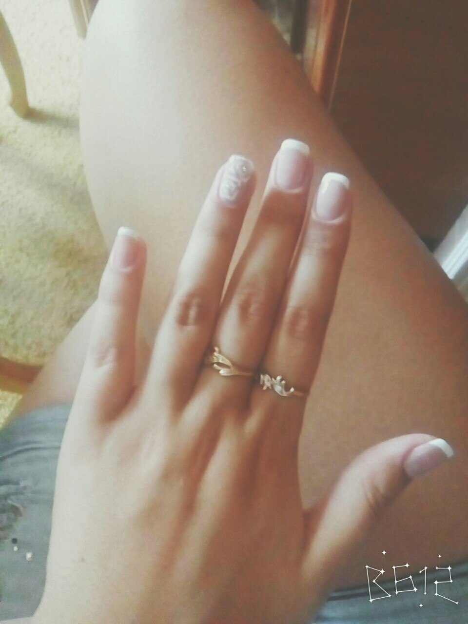 Маникюр для коротких ногтей гламурного типа для повседневки