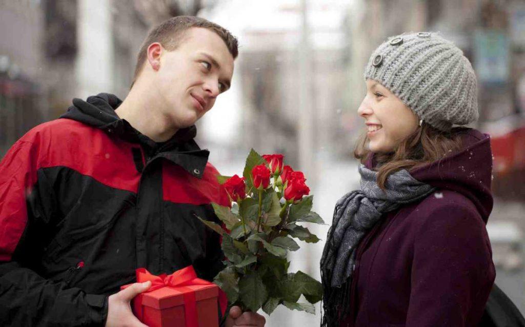 Что подарить девушке? как выбрать подарок?